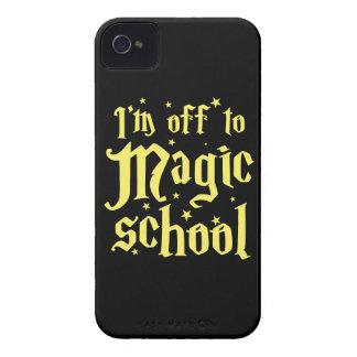 私は魔法の学校から離れています Case-Mate iPhone 4 ケース