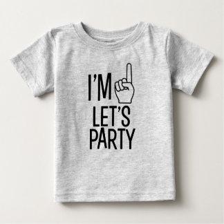私は1才おもしろいな男の赤ちゃんのワイシャツをパーティを楽しもうです ベビーTシャツ