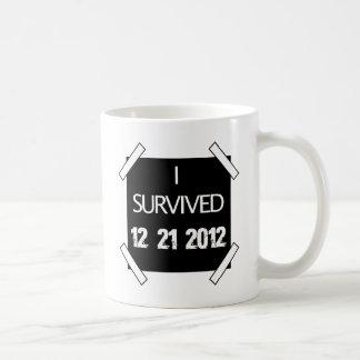 私は12.21.2012を生き延びました! コーヒーマグカップ
