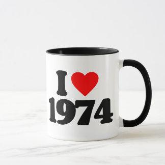 私は1974年を愛します マグカップ