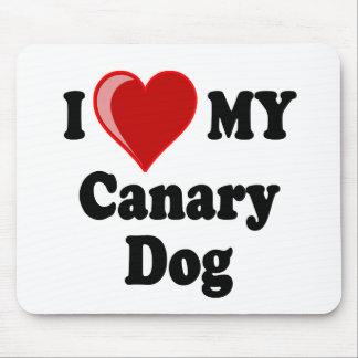 私は(ハート)私のカナリア色の犬を愛します マウスパッド