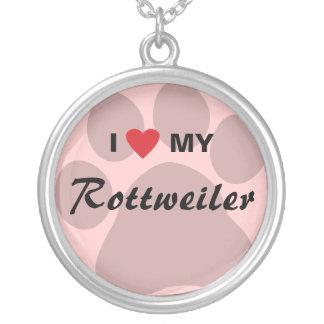 私は(ハート)私のロットワイラーPawprintを愛します シルバープレートネックレス
