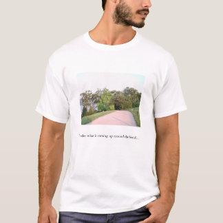 私は…上がっているものがくねりのまわりで疑問に思います Tシャツ