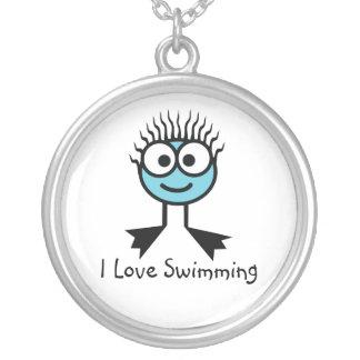 私は-淡いブルーの水泳のキャラクターNecklac泳ぐことを愛します シルバープレートネックレス