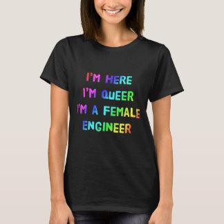 私は、私です変、私ですメスエンジニアここにいます Tシャツ