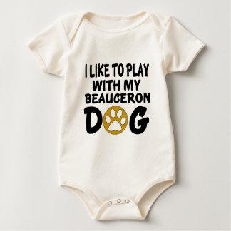 私はBeauceron私の犬と遊ぶのを好みます ベビーボディスーツ