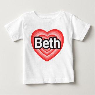 私はBethを愛します。 私はBeth愛します。 ハート ベビーTシャツ