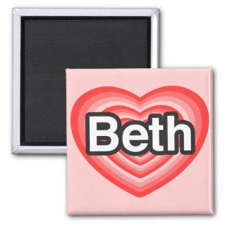 私はBethを愛します。 私はBeth愛します。 ハート マグネット