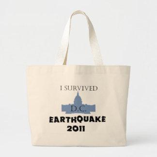 私はD.C. Earthquake 2011年を生き延びました ラージトートバッグ
