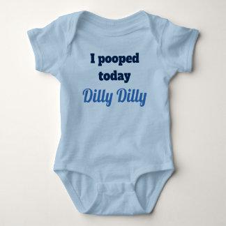 私はDillyのDillyのベビーのワイシャツを今日pooped ベビーボディスーツ