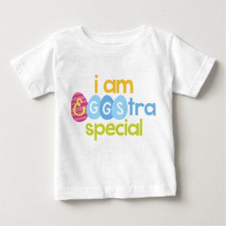 私はEggstraの特別な幼児のTシャツです ベビーTシャツ
