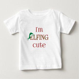 私はElfingのかわいいおもしろいの休日のTシャツです ベビーTシャツ