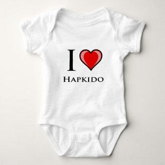 私はHapkidoを愛します ベビーボディスーツ