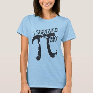私はPi日-おもしろいなPi日--を生き延びました Tシャツ