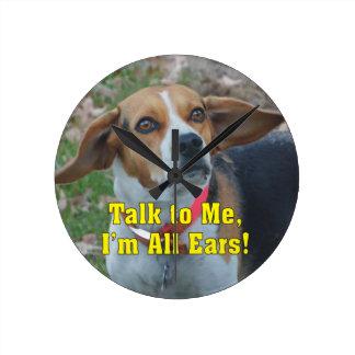 私へのおもしろいな話私はすべての耳のビーグル犬です ラウンド壁時計
