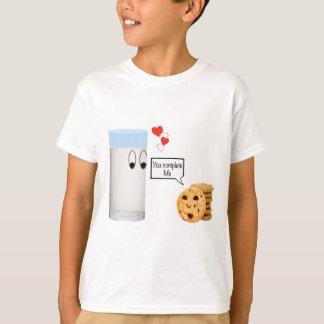 私をミルクおよびクッキー完了します Tシャツ