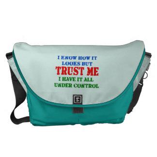 私を信頼して下さい -- 制御の下のすべて メッセンジャーバッグ