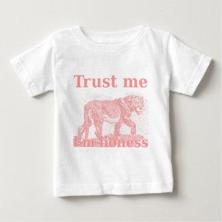 私を信頼して下さい。 私は雌ジシです ベビーTシャツ