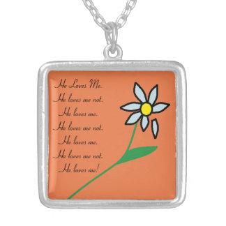 私を愛しましたり、ない花のネックレス#1愛します シルバープレートネックレス