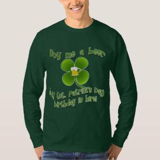 私を私のBirlthdayによってがSt PatのB'dayここにあるビール買って下さい Tシャツ