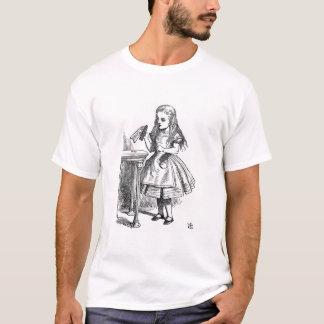 私を飲んで下さい(不思議の国のアリス) Tシャツ