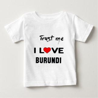 私をI愛ブルンディ信頼して下さい ベビーTシャツ