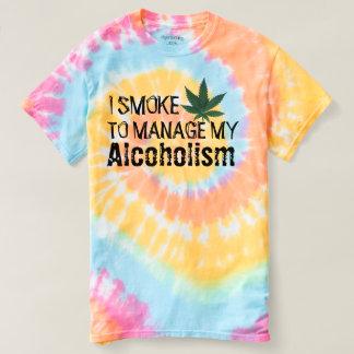 私私のアルコール中毒のおもしろTシャツを管理するマリファナの吸飲 Tシャツ
