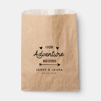 私達の冒険は結婚式の引き出物のバッグを始めます フェイバーバッグ
