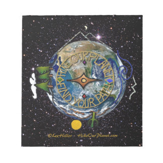 私達の惑星のハイカーの精神のコンパスの宇宙をハイキングして下さい ノートパッド