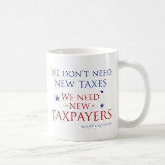 私達はより多くの納税者を必要とします コーヒーマグカップ