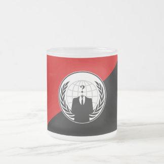 私達は匿名の無政府主義者の旗です フロストグラスマグカップ
