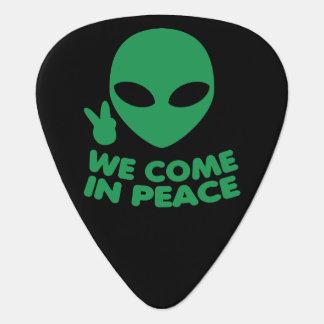 私達は平和エイリアン入って来ます ギターピック