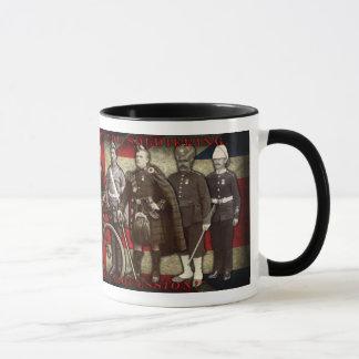 """""""私達はsoldiering""""コーヒー・マグを教えようと思っています マグカップ"""
