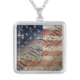 私達人々のヴィンテージの米国旗 シルバープレートネックレス