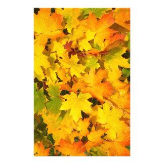 秋のかえではスクラップブックの紙を去ります 便箋