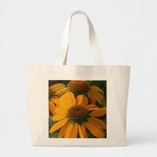 秋のオレンジechinaceaの花 ラージトートバッグ