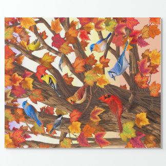 秋のカエデの木の鳥 ラッピングペーパー