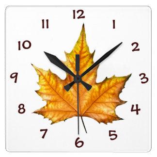 秋のカエデの葉 スクエア壁時計
