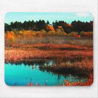 秋のカナダのマウスパッドの沼地そして木 マウスパッド