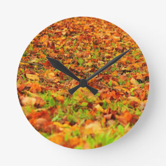 秋のカーペット ラウンド壁時計