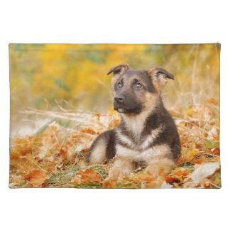 秋のジャーマン・シェパード犬の子犬 ランチョンマット