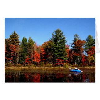 秋のメッセージカードの池のカヤック カード