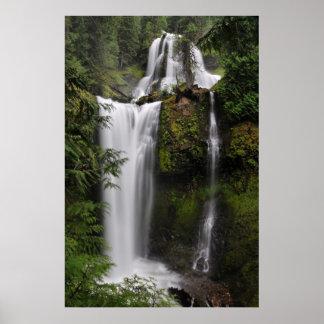 秋の入り江の滝 ポスター