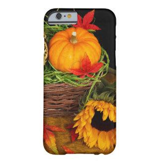 秋の収穫のヒマワリ BARELY THERE iPhone 6 ケース
