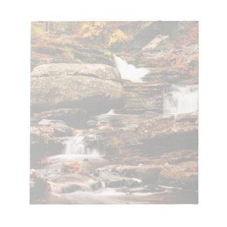 秋の工場滝 ノートパッド