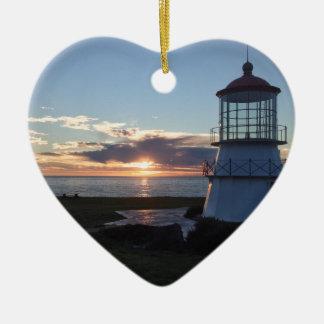 秋の日没の無くなった海岸カリフォルニアが付いている灯台 セラミックオーナメント