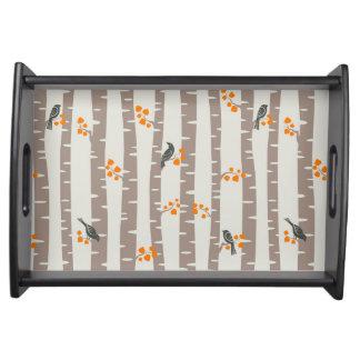 秋の木および鳥が付いているパターン トレー