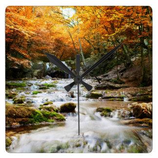 秋の森林滝の柱時計 スクエア壁時計