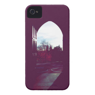 秋の気分のドアの陰のグラスゴー大学 Case-Mate iPhone 4 ケース
