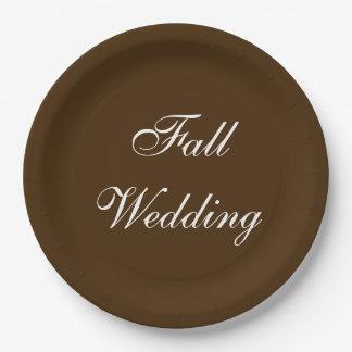 秋の結婚式のブラウンの豊富で深く素朴な色 ペーパープレート